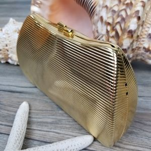 Vintage metal gold clamshell clutch evening bag